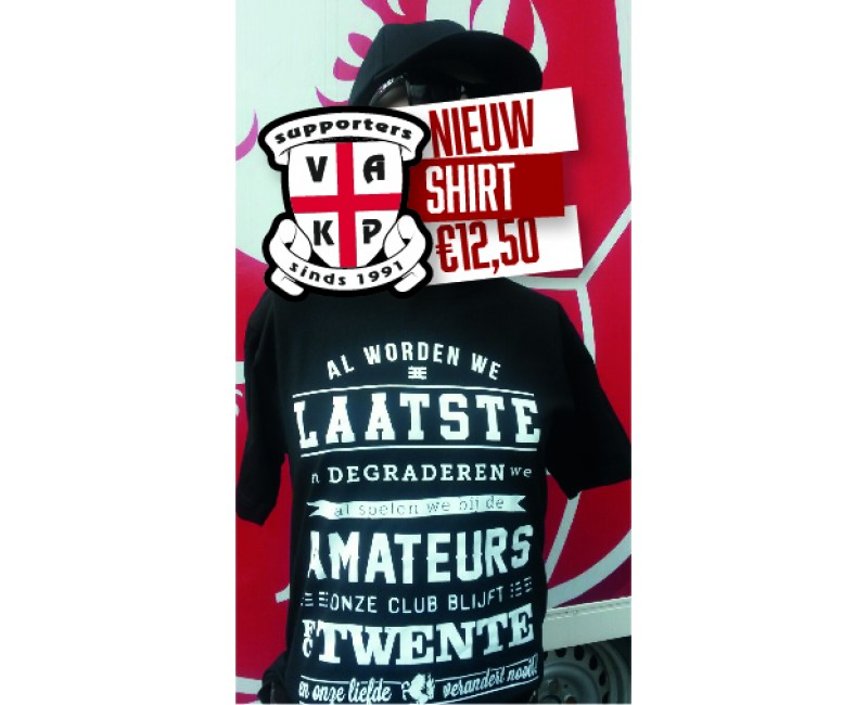 """T-Shirt """"Al worden we..fct."""". ZWART"""